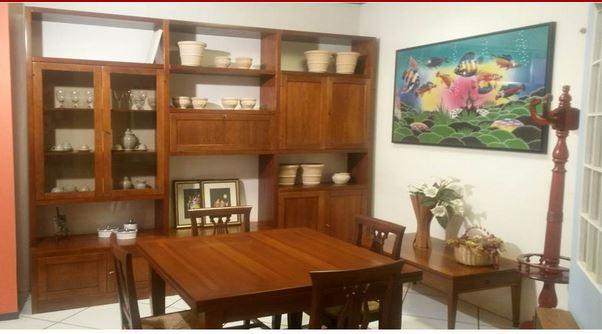Libreria in arte povera con tavolo e sedie santarossa for Outlet mobili sassari