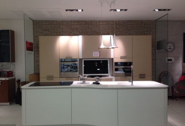 cucina lg 701 prezzo listino 1600000 euro prezzo outlet 1230000 euro