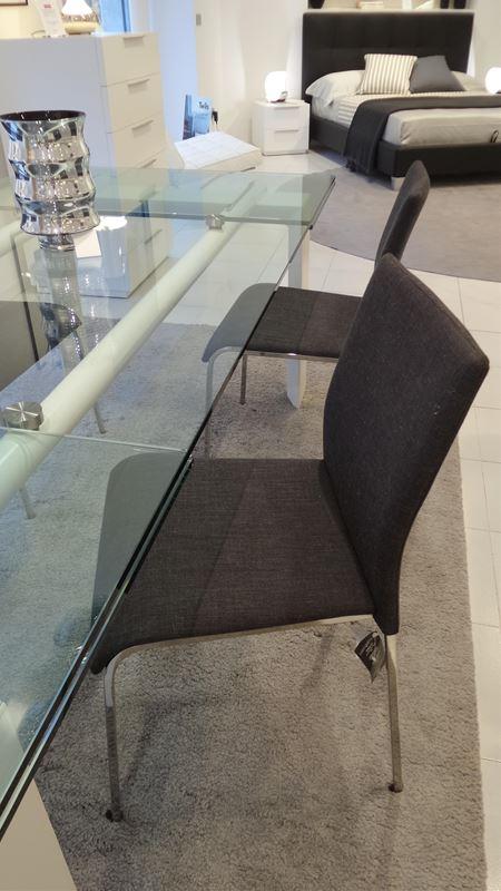 Sedia easy tessuto calligaris tavoli e sedie for Ferroni sassari
