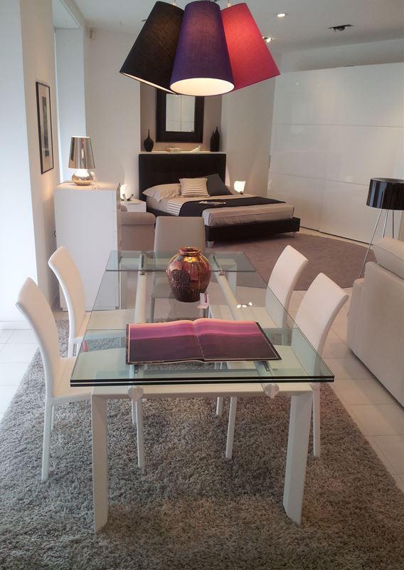 Tavolo stilt desalto tavoli e sedie for Ferroni sassari